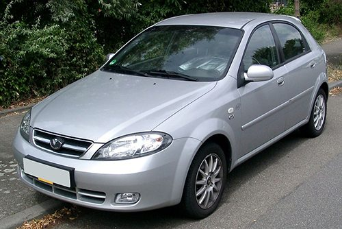 Front view of the hatchback version of Daewoo Lacetti in all grey paint