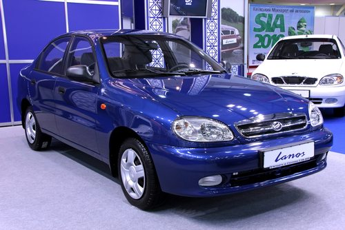 Metallic blue Daewoo Lanos at the SIA 2016 event