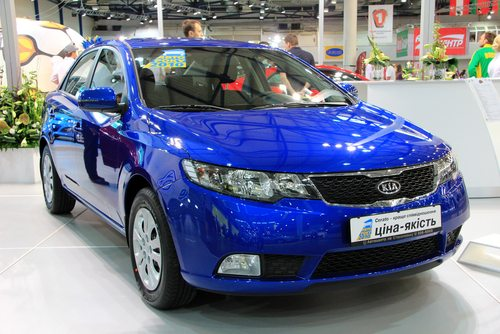 Egyptian blue colored Cerato TD parked at the auto expo