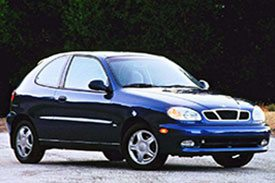 How about a mixture of a hatchback and a coupe sedan? Meet the Daewoo Lanos T100