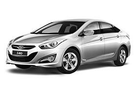 Shining and silver Hyundai i40 VF, one of the latest modes from Hyundai's line of i40s